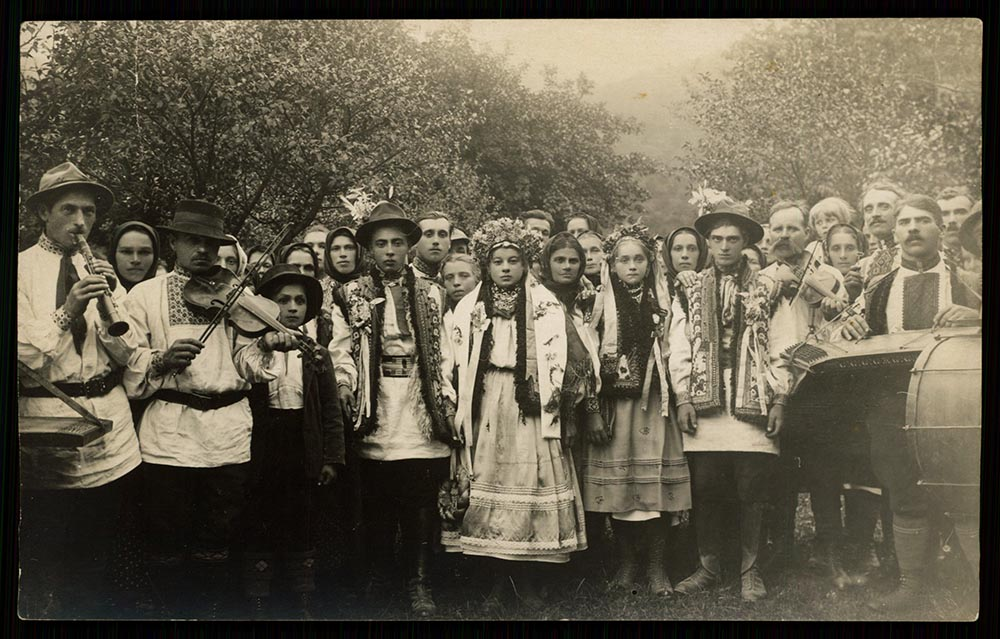 Hutsul Wedding, 1939, photo: Polona National Library