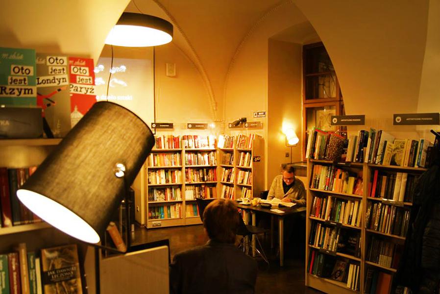 De Revolutionibus, Kraków, photo: De Revolutionibus. Books&Cafe