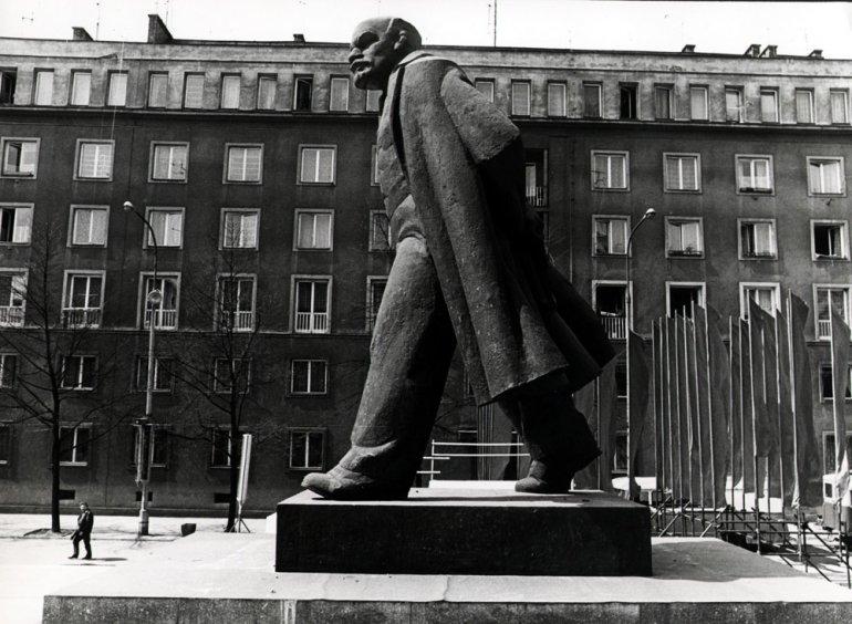 Nowa Huta. Pomnik W. Lenina. Lata '70, fot. Chris Niedentha / Forum