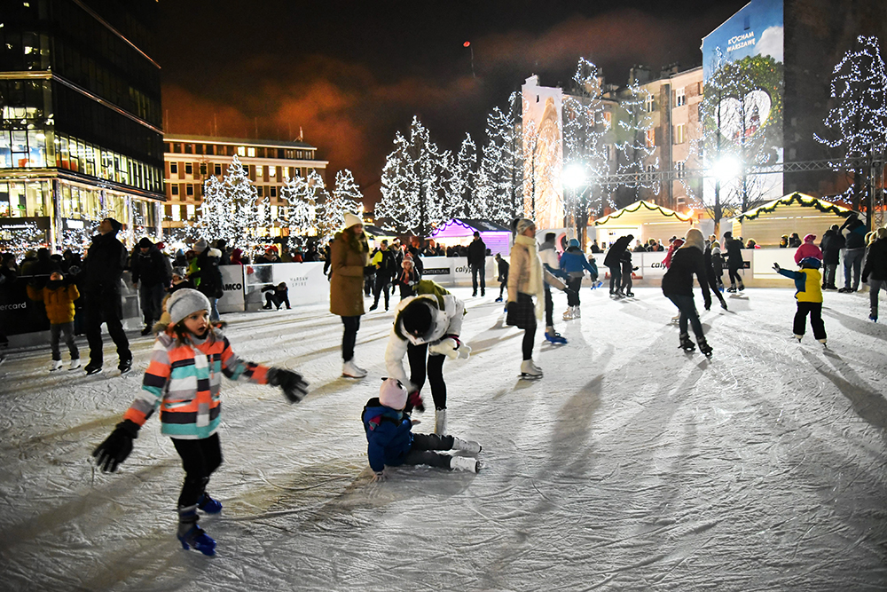 Ice rink at the European Square in Warsaw, photo: Franciszek Mazur/AG