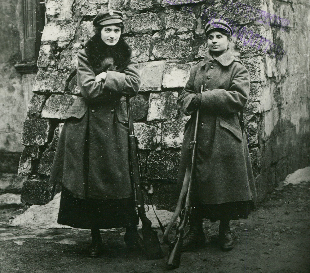 Members of the Women's League in Lviv on guard, 1918, photo: National Library/POLONA