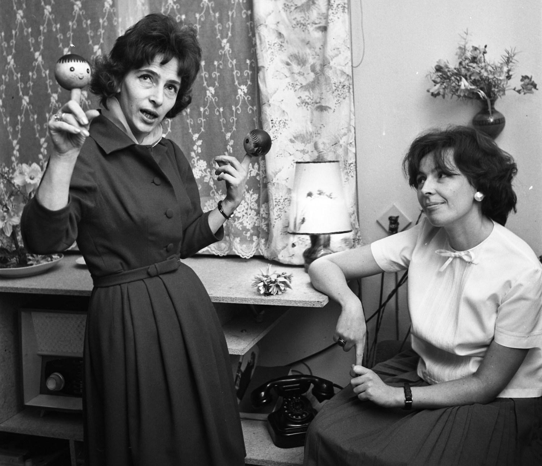 Ванда Хотомская и Зофья Рациборская, Варшава, 1963, фото: Мариан Соколовский / PAP