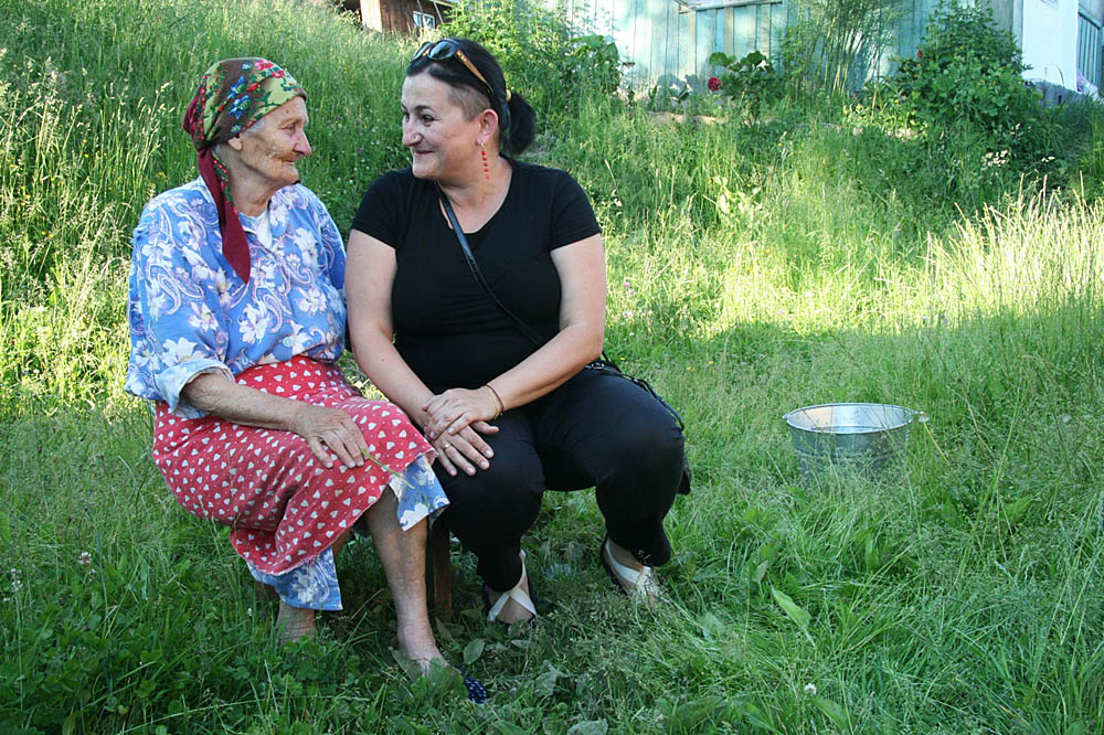 Grandmother Wasielina and Gabi. First meeting, photo: Seltmann family archive