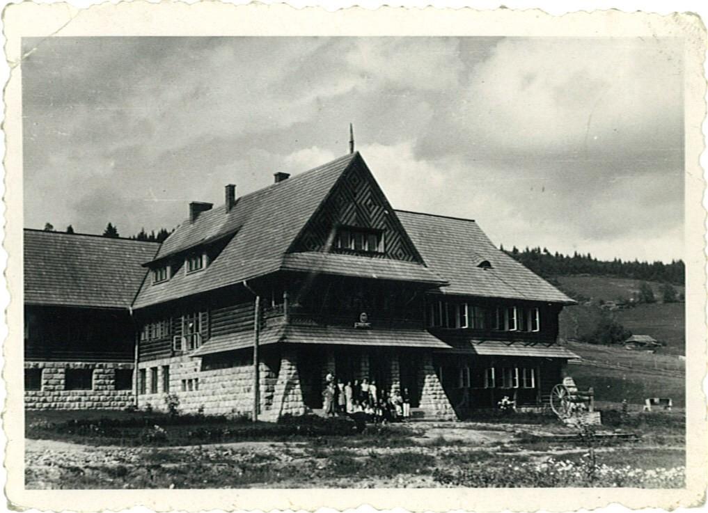 The school where Michał Pazdanowski, Gabi's grandfather, was the director, photo: Pazdanowski family archive