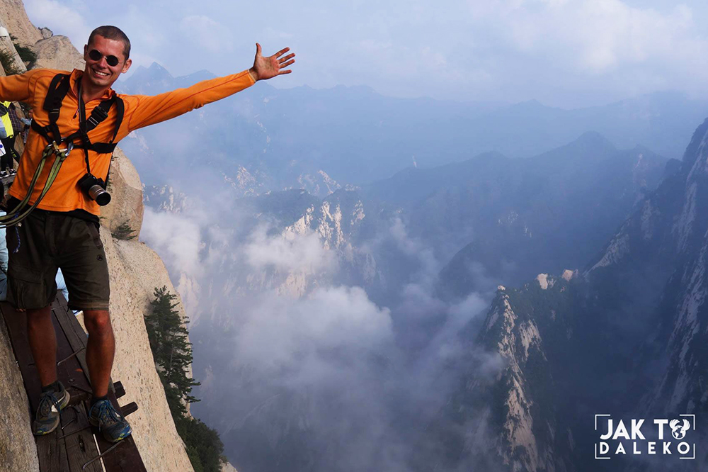 Tomasz Jakimiuk on Mount Hua (China), photo: T. Jakimiuk's collection