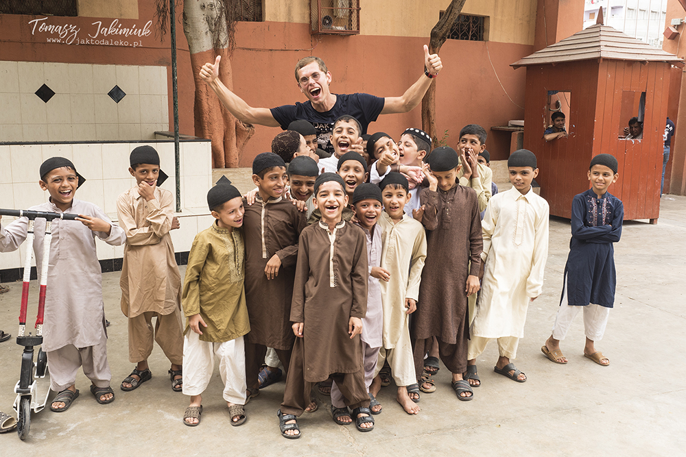 At a Pakistani orphanage, photo: T. Jakimiuk's collection