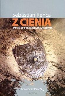 """Sebastian Reńca, """"Z cienia"""", fot. materiały promocyjne"""