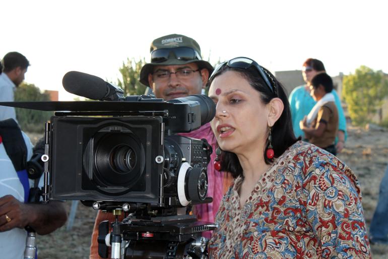 Anu Radha with producer, photo: Aaakaar Films
