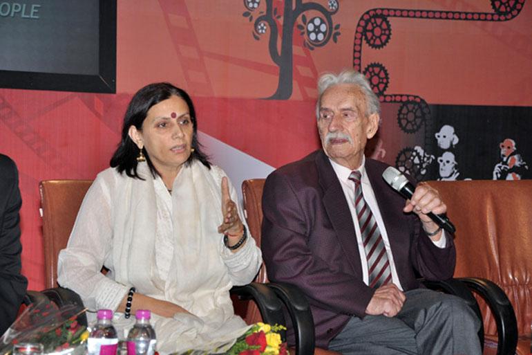 Anu Radha with Survivor, photo: Aakaar Films