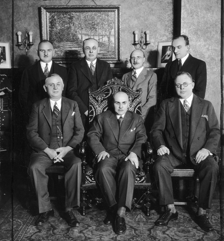 A meeting of the University Friends of Poland society, Chicago, 1933, Third from the left in the top row is Tykociner, photo: NAC.gov.pl