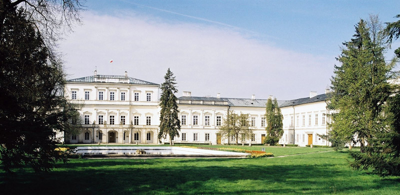 Pałac Czartoryskich in Puławy, Poland; view from courtyard at the central part of the palace, photo: wikimedia commons