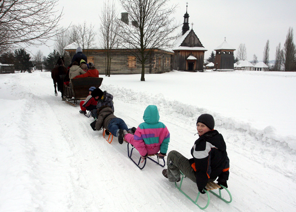A sleigh ride at the Ethnographic Park in Tokarnia, photo: Piotr Polak/PAP