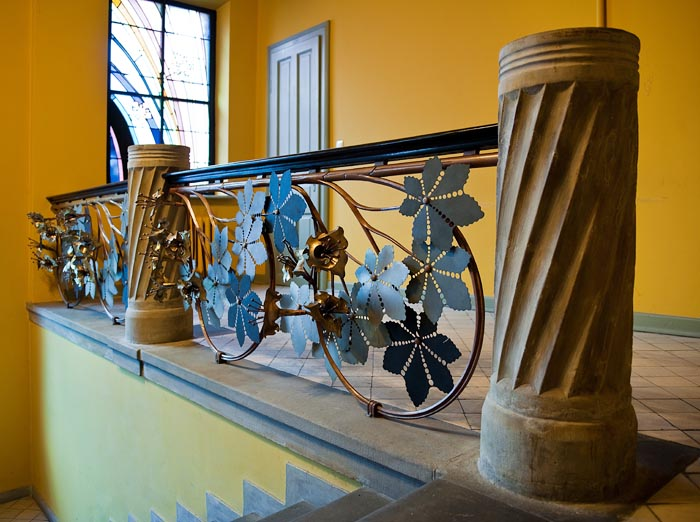 Balustrade with chestnut tree motif from the staircase of the Krakow Medical Association House, 1904, Photo: Michał Korta