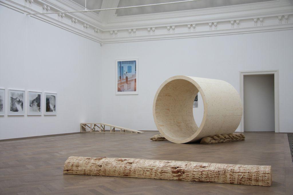 """Goshka Macuga, """"I Am Become Death"""", installation, Kunsthalle Basel exhibit, 2009, Goshka Macuga, courtesy of Kate MacGarry"""