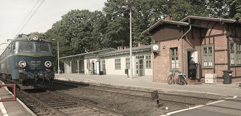 WXCA, zrewitalizowany Dworzec Kolejowy w Puszczykowie, fot. materiały promocyjne pracowni / www.wxca.pl