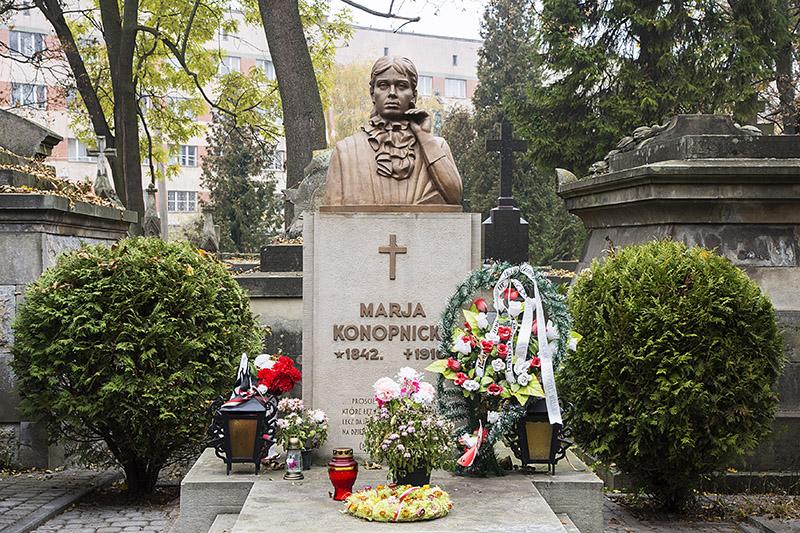 Lviv. Lychakiv Cemetery, Maria Konopnicka, photo:  Andrzej Sidor / Forum