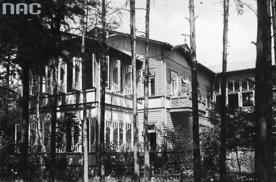 The Antituberculotic Sanatorium of Doctor Władysław Przygoda in Otwock, 1926 photo: Koncern Ilustrowany Kurier Codzienny - Archiwum Ilustracji / National Digital Archive / NAC / www.audiovis.nac.gov.pl