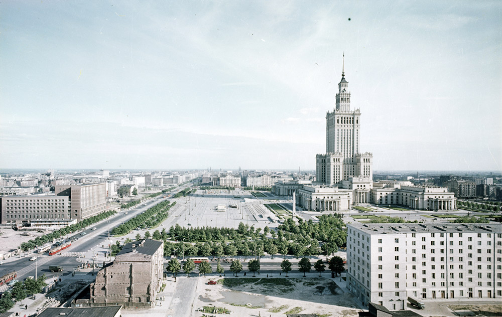 Palace of Culture and Science in Warsaw, 1962, phot by Zbyszko Siemaszko / Forum