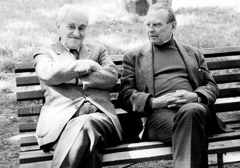 Czesław Miłosz and  Jerzy Turowicz, Krakow, 1990, photo: Grzegorz Kozakiewicz  / Forum