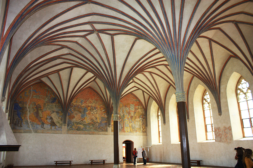 Malbork castle. Pictured: the Great Refectory in the Malbork castle, photo: Ludwig Schneider/wikimedia.org