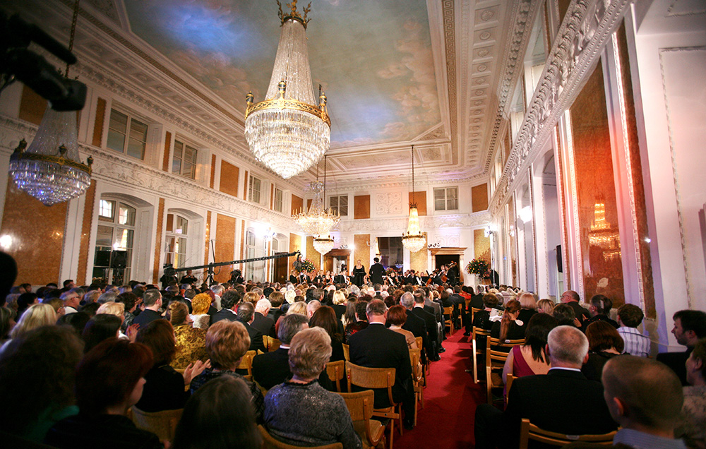 Ballroom, Łańcut Castle. Pictured: Małgorzata Walewska's concert, Music Festival in Łańcut, 2008, photo: Krzysztof Koch/AG