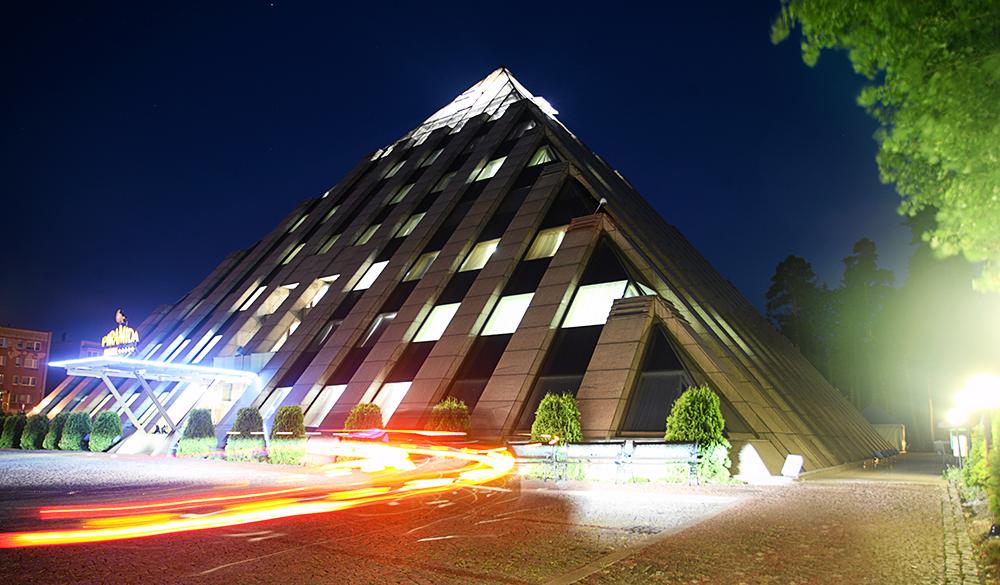 Hotel Piramida, Tychy, fot. Grzegorz Celejewski/AG
