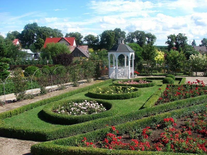 Frank-Raj (park miniatur ogrodów we wsi Frank na Kociewiu), fot. http://www.frank-raj.pl/kontakt2
