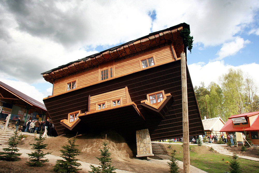 Upside Down House in Szymbark, photo by Rafał Meszka / East News