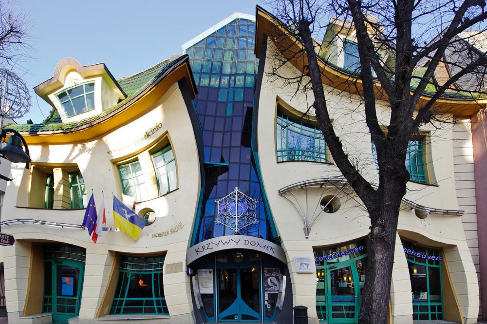 Crooked Little House in Sopot, photo by Łukasz Dejnarowicz / Forum