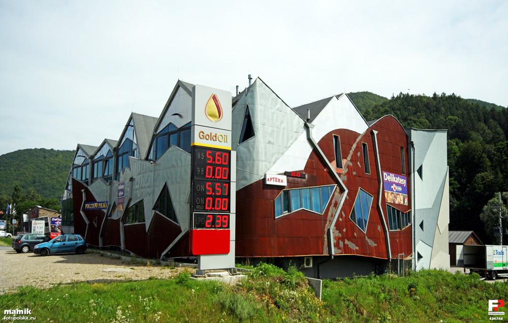 Petrol station in Rytro, photo: fotopolska.eu