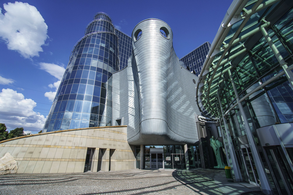 Headquaters of National Polish Television in Warsaw, photo by Andrzej Bogacz / Forum