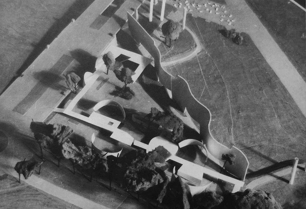 """Pawilon Polski na """"Expo 58"""". Widok makiety, 1956, wg. J.Gola, Jerzy Sołtan. Monografia, Warszawa 1995, s. 170, fot. Akademii Sztuk Pięknych"""