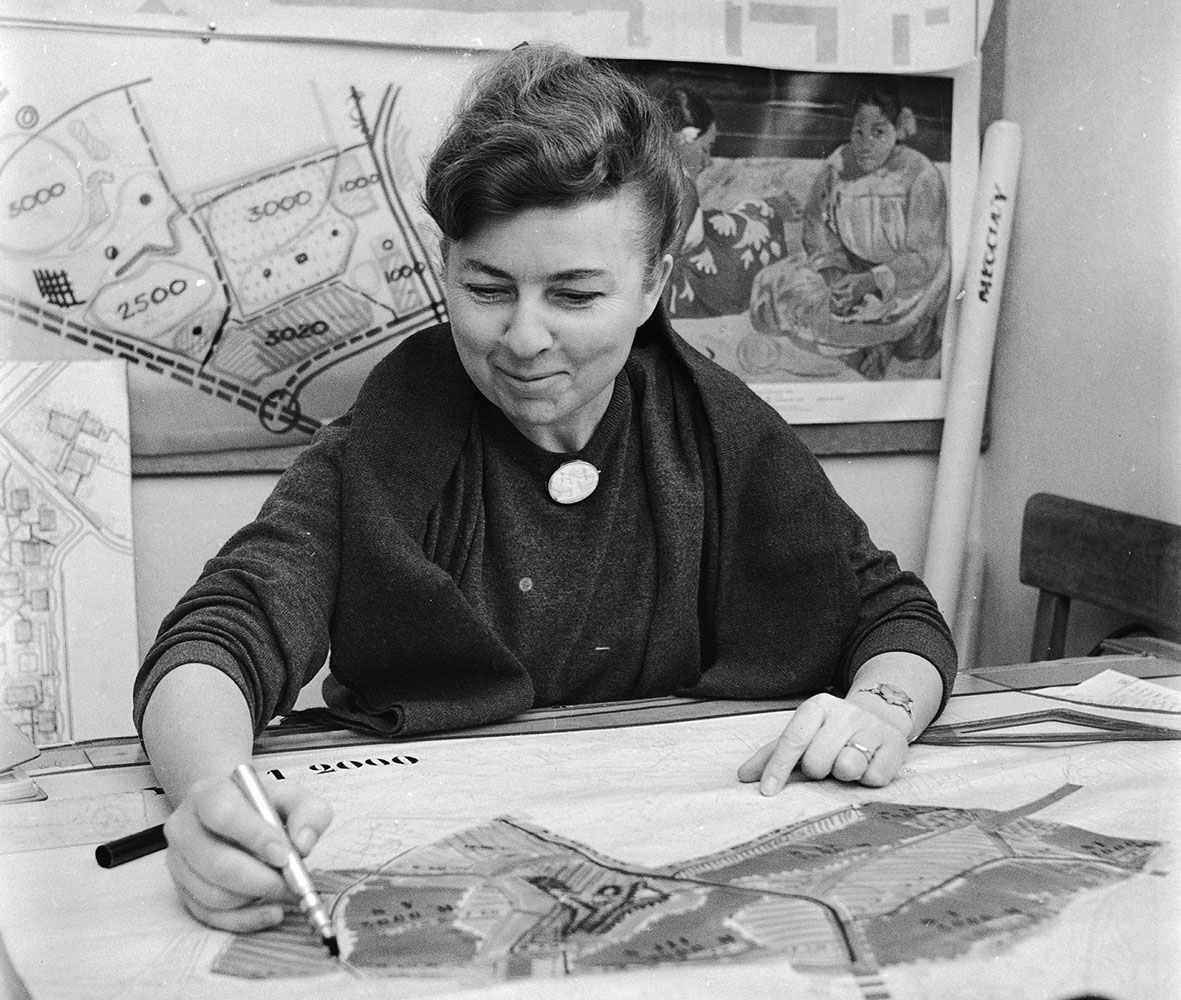 Halina Skibniewska in her office, 1963, photo: Wiesław Stasiak / PAP