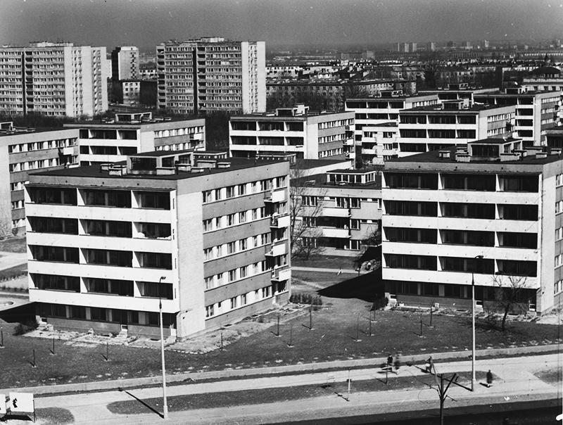 Halina Skibniewska, Osiedle Sady Żoliborskie w Warszawie, 1969,  fot. Marian Sokołowski CAF/PAP