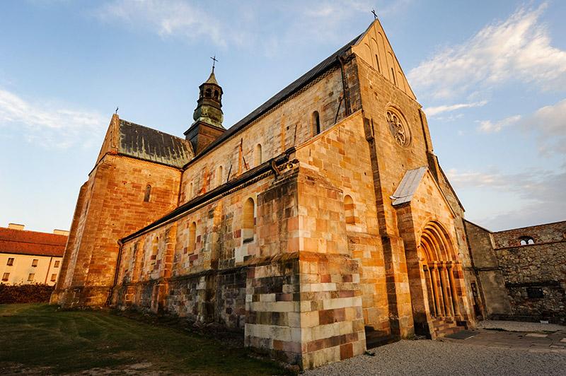 Kościół św. Tomasza Kantuaryjskiego w Sulejowie, fot. Gerard/Reporter