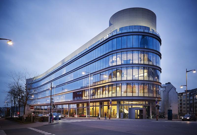 Rocade de Bonnevoie  siedzib władz miasta,  Luksemburg, projekt : Paczowski et Fritsch Architectes, 2007, fot. dzięki uprzejmości pracowni / www.apf.lu
