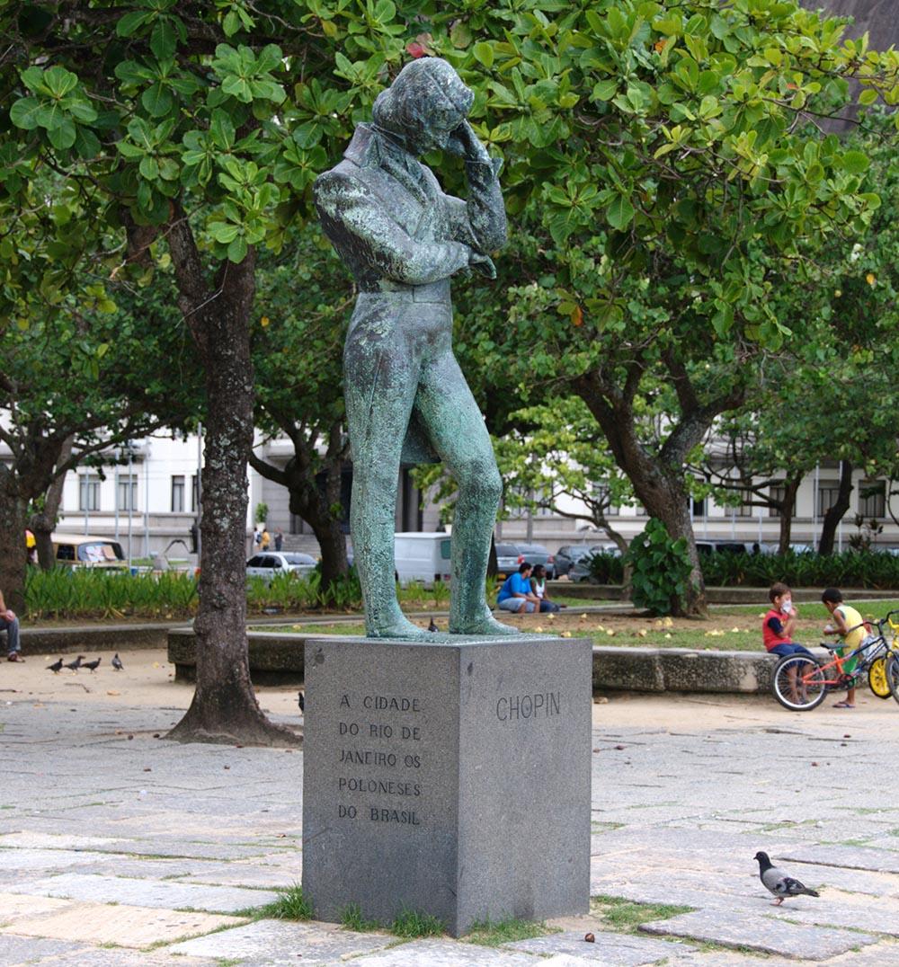 Statue of Fryderyk Chopin in Rio de Janeiro, Brazil, photo: Bożyna Zielińska/East News