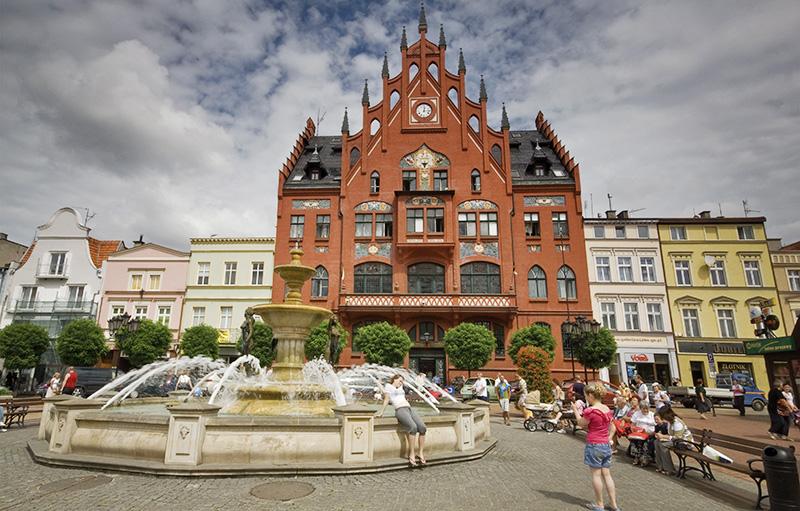 Stary Rynek w Chonicach, fot. Witold Skrzypczak / Reporter