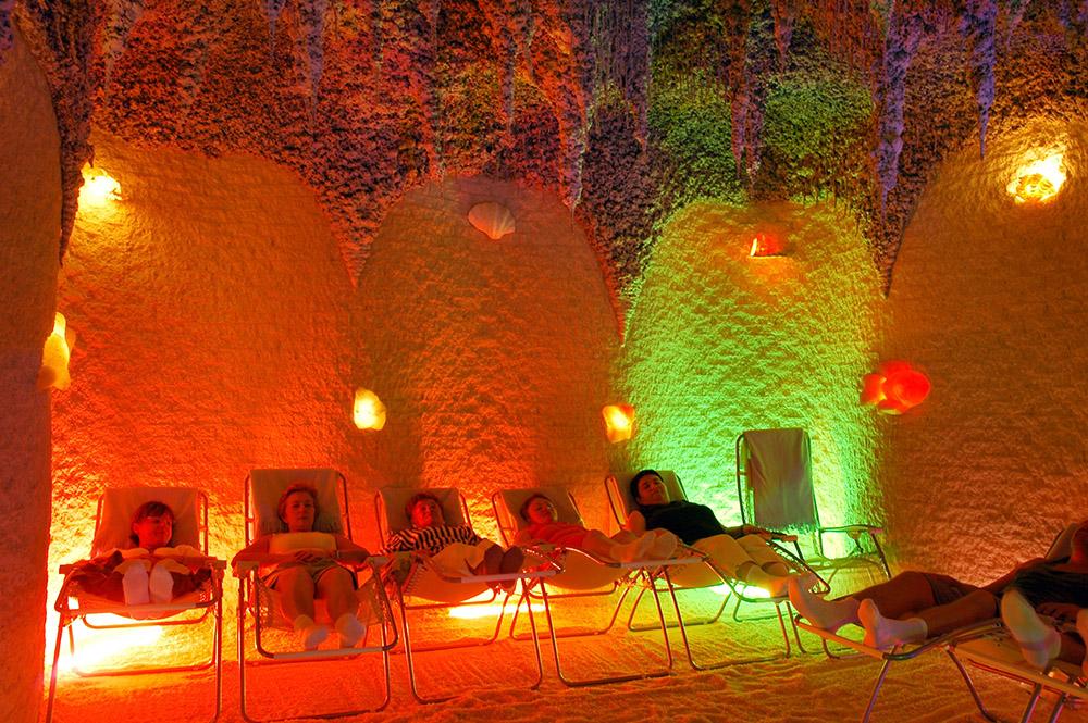 Солевая йодная пещера Галос. Фото: Анджей Сидор / Forum