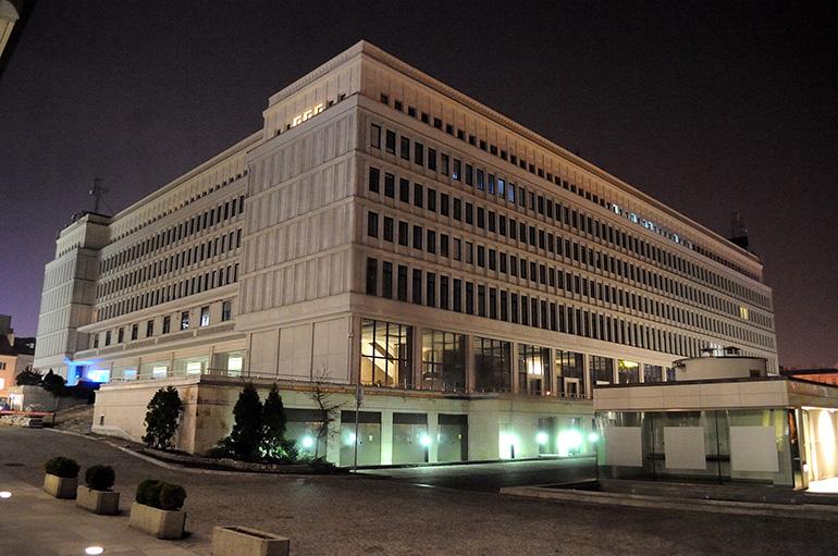 """Centrum Bankowo-Finansowe """"Nowy Świat"""", dawny Dom Partii, siedziba KC PZPR, fot. Szymon Laszewski / Forum"""