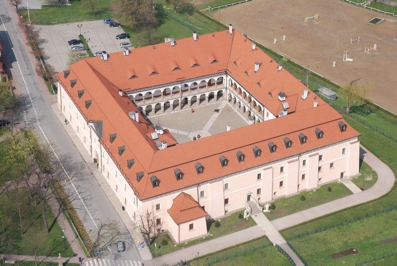 Zamek w Niepołomicach, źródło: e-turysta.pl