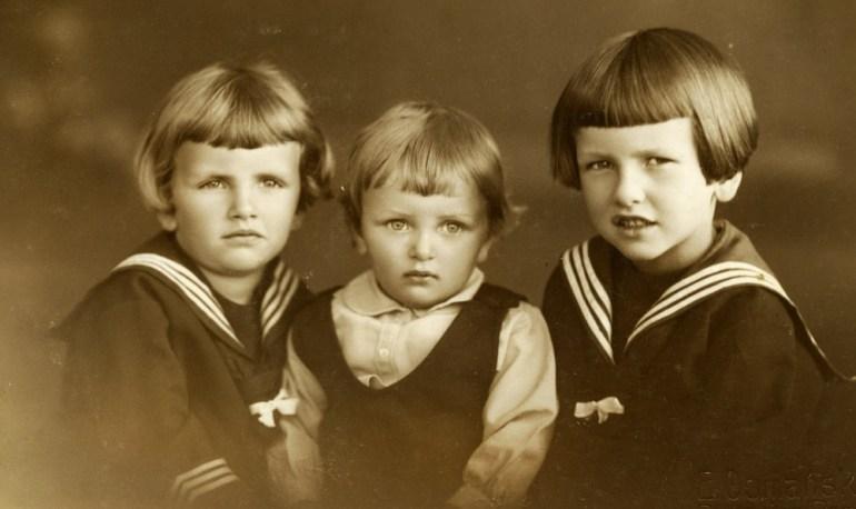 Biało-granatowy strój marynarski, Brodnica, lata 30, fot. z archiwum Izy Wojciechowskiej / Forum