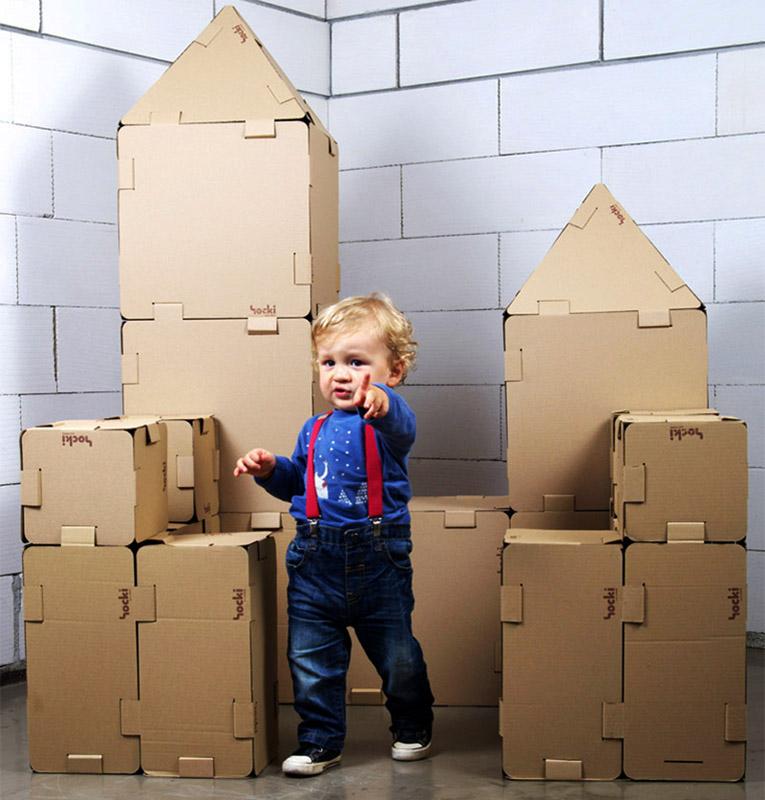 """Grupa projektowa OdRzeczy, kreatywne zabawki """"HOCKO"""", rodzina ekologicznych zabawek z tektury, fot. OdRzeczy"""