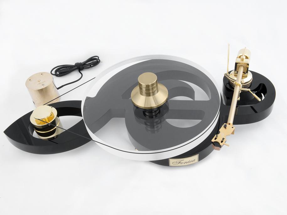 Fonica F901 VIOLIN, turntable made by Audio Fonica, photo: Arkadiusz Sekura / http://fonicamusic.com