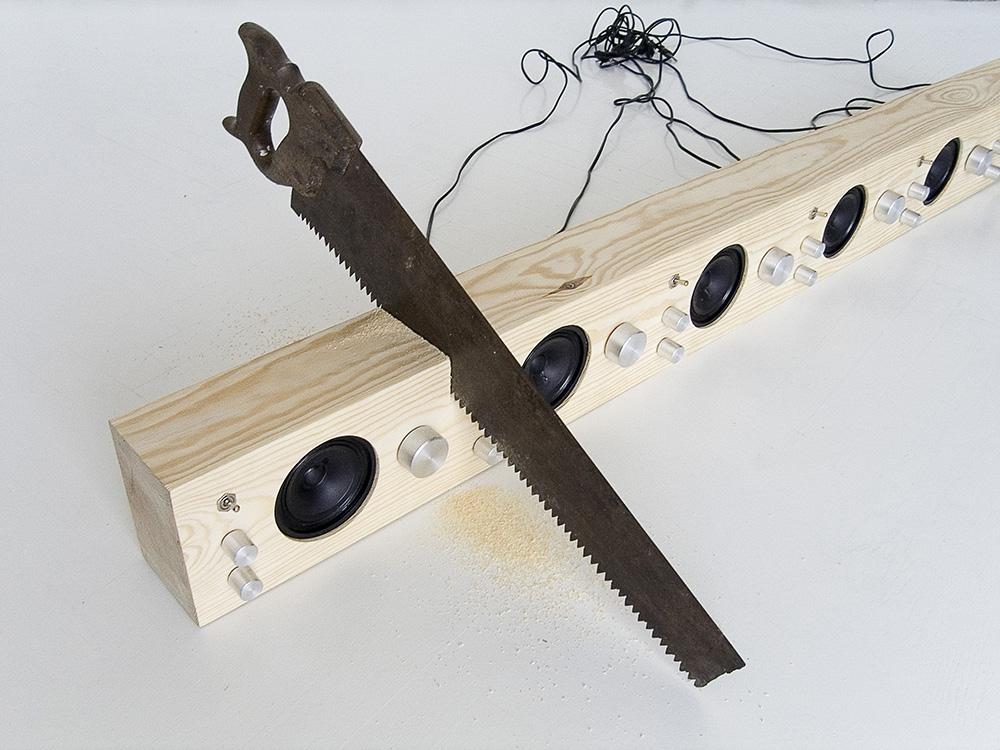 Log Radio, design: Piotr Stolarski in collaboration with Maria Makowska as Gogo collective, photo: promo materials