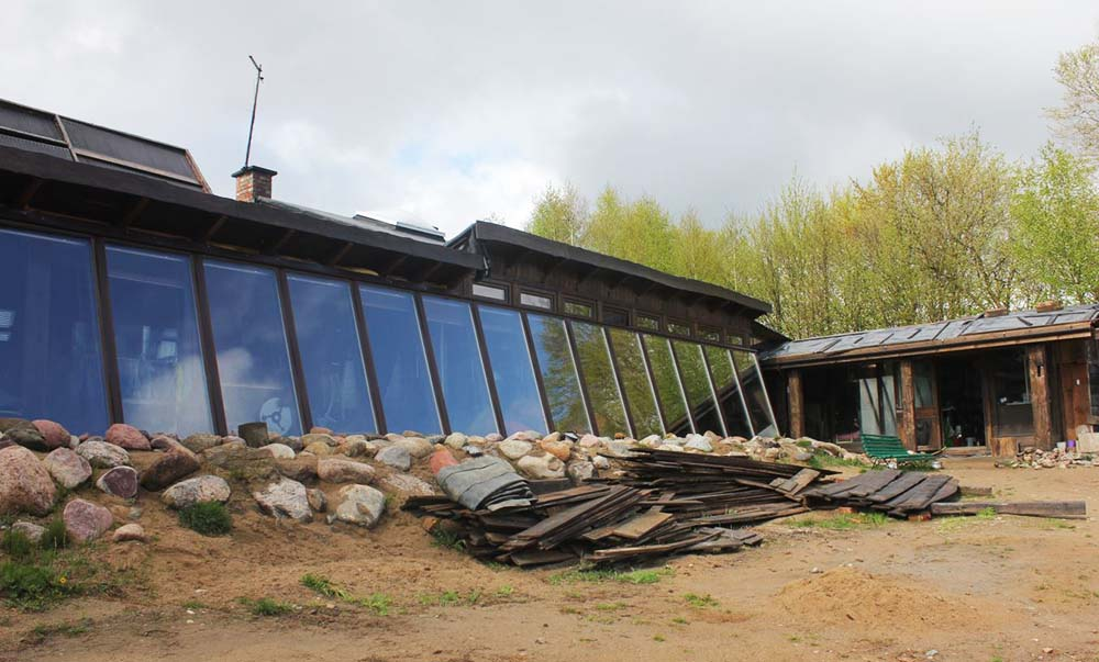 House of Wastes in Mierzeszyn near Pruszcz Gdański, project by: Barbara Wojtkowska-Guichert, photo: Ekocentrycy Holistic Architecture&Design, press materials