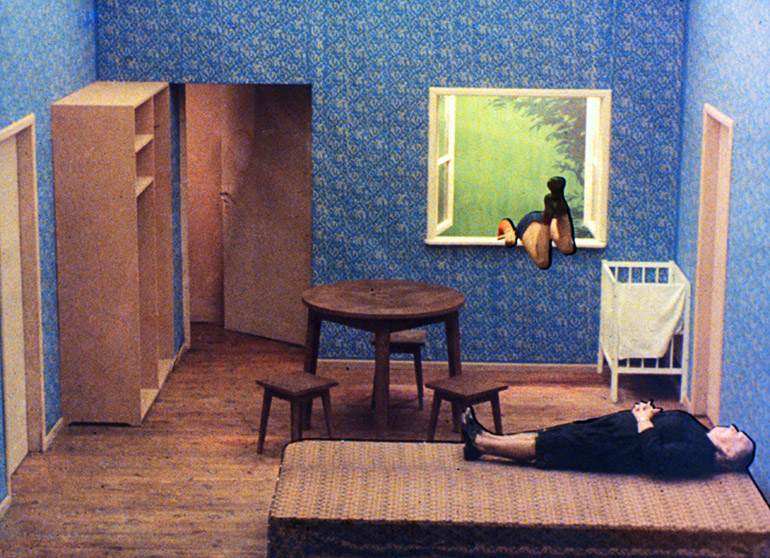 """Kadr z filmu """"Tango"""" Zbigniewa Rybczyńskiego, 1980, fot. Filmoteka Narodowa"""
