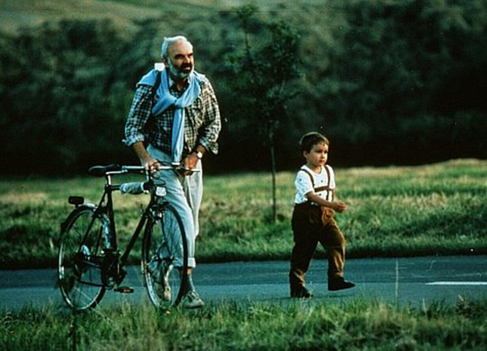 "Kadr z filmu ""Kola"", reżsyeria: Jan Svěrák, 1996, fot. Vivarto"