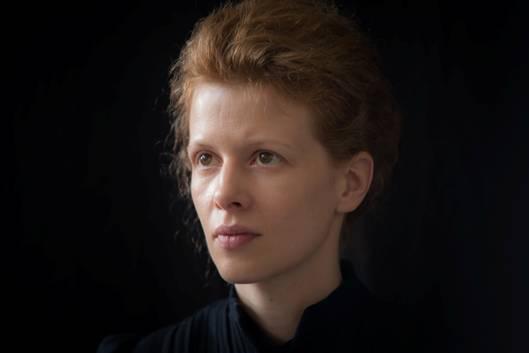 Karolina Gruszka jako Maria Skłodowska-Curie, fot. Grzegorz Hartfiel