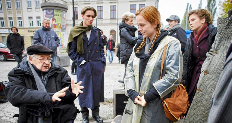 """Plan zdjęciowy filmu """"Powidoki"""" w reżyserii Andrzeja Wajdy, fot. Marcin Stępień / Agencja Gazeta"""
